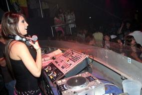 ELSIELAND Cintia Fernandez 12