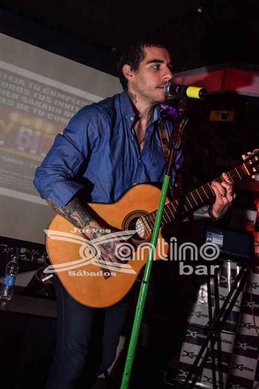 xantino Jueves karaoke 37
